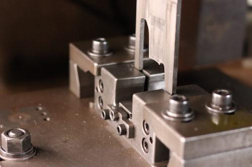 現場加工を極力減らすために、自社工場にて加工し出荷します。
